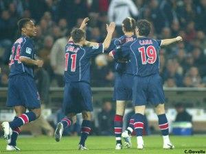 La joie des parisiens après l'ouverture du score (Ch. Gavelle)