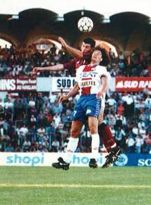 Daniel Bravo lutte pour le ballon (A. Lecoq)