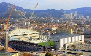 Le vélodrome en travaux (source: http://projets-architecte-urbanisme.fr/chantier-travaux-stade-velodrome-olympique-marseille)