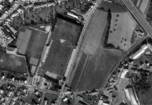 Vue aérienne du stade Fred-Aubert en 1973