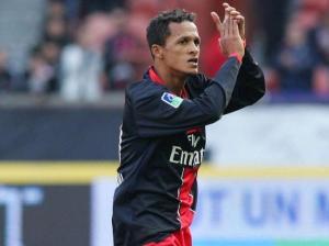 Willamis Souza cède sa place à Pedro Pauleta à l'heure de jeu