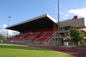 La tribune principale du Stade Municipal