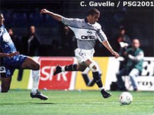 Laurent Robert marquera un triplé… en vain (Ch. Gavelle)