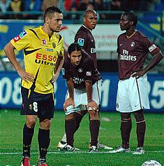 Ziani s'apprête à tirer un des deux penalty du soir