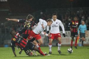 Photo Ch. Gavelle, psg.fr (image en taille et qualité d'origine: http://www.psg.fr/fr/Actus/105003/Galeries-Photos#!/fr/2009/1903/21168/match/Boulogne-Mer-PSG/Boulogne-Mer-PSG-2-5)