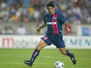 Martin Cardetti balle au pied