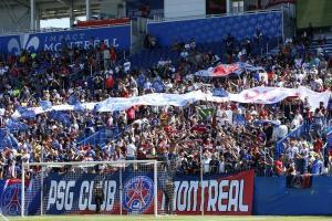 Les supporters parisiens des fans clubs de Montréal et New York