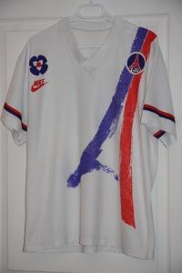 Maillot domicile 1991-92, porté lors de ce match (collection MaillotsPSG)