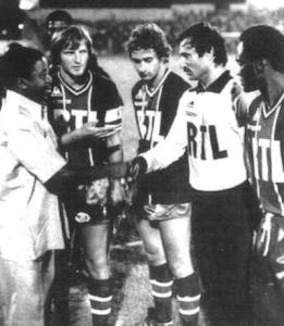 Les joeurs parisiens lors du protocole d'avant match (archives MK)