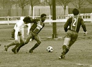 Jacky Laposte balle au pied (archives MK)