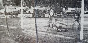 Le but de Carlos Bianchi, à la suite d'un cafouillage devant les buts de l'ancien parisien Bernard...