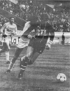 Luis Fernandez balle au pied