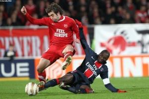Photo Ch. Gavelle, psg.fr (image en taille et qualité d'origine: http://www.psg.fr/fr/Actus/105003/Galeries-Photos#!/fr/2010/2122/23988/match/Valenciennes-PSG/Valenciennes-PSG-1-3-CdL)