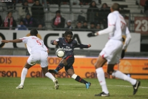 Photo Ch. Gavelle, PSG.fr (image en taille et qualité d'origine: http://www.psg.fr/fr/Actus/105003/Galeries-Photos#!/fr/2009/1913/21741/match/Nancy-PSG/Nancy-PSG-0-0)