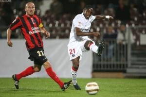 Photo Ch. Gavelle, psg.fr (image en taille et qualité d'origine: http://www.psg.fr/fr/Actus/105003/Galeries-Photos#!/fr/2009/1953/20648/match/Boulogne-Mer-PSG/Boulogne-Mer-PSG-0-1)