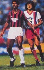 Thierry Rabat à la lutte avec Rijkaard