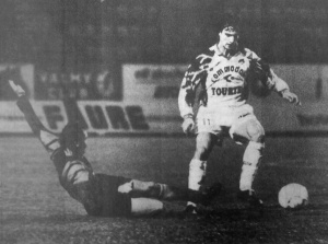 David Ginola taclé par Rio (HAC Foot Archives)