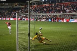 Photo Ch. Gavelle, psg.fr (image en taille et qualité d'origine: http://www.psg.fr/fr/Actus/105003/Galeries-Photos#!/fr/2009/2025/22601/match/PSG-Etoile-Rouge/PSG-Etoile-Rouge-1-1-6-7)