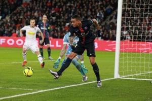 Photo F. Dugit, leparisien.fr (image en taille et qualité d'origine: http://www.leparisien.fr/sports/en-images-le-psg-en-demonstration-contre-angers-23-01-2016-5479211.php)