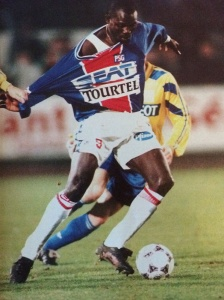 George Weah accroché (Ch. Gavelle)