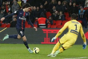 Photo Ch. Gavelle, psg.fr (image en taille et qualité d'origine: http://www.psg.fr/fr/Actus/105003/Galeries-Photos#!/fr/2015/3167/57555/match/Paris-Lille-0-0/Paris-Lille-0-0)