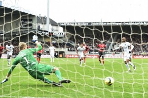 Photo Ch. Gavelle, psg.fr (image en taille et qualité d'origine: http://www.psg.fr/fr/Actus/105003/Galeries-Photos#!/fr/2015/3174/59259/match/Guingamp-Paris-0-2/Guingamp-Paris)