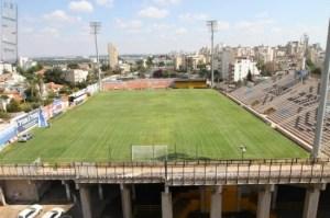 Le stade Sar-Tov