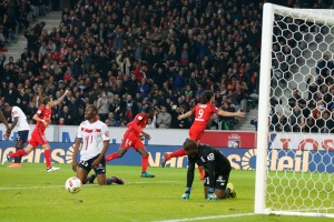 Photo Ch. Gavelle, psg.fr (image en taille et qualité d'origine: http://www.psg.fr/fr/Actus/105003/Galeries-Photos#!/fr/2016/3685/64550/match/Lille-Paris-0-1/Lille-Paris-0-1)